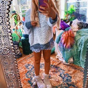 Charcoal Ezbé Plush Fuzzy Sweater ✨
